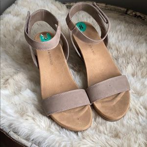 Lucky Brand Kanoa Wedge Taupe